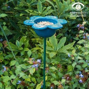 Ptačí krmítko na zem květina modrá