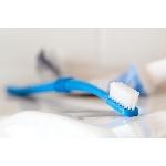 Preserve Zubní kartáček Medium Azurový